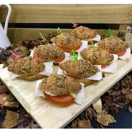 Mini croissant multicereal relleno (Bandejas de 15 Unid.)